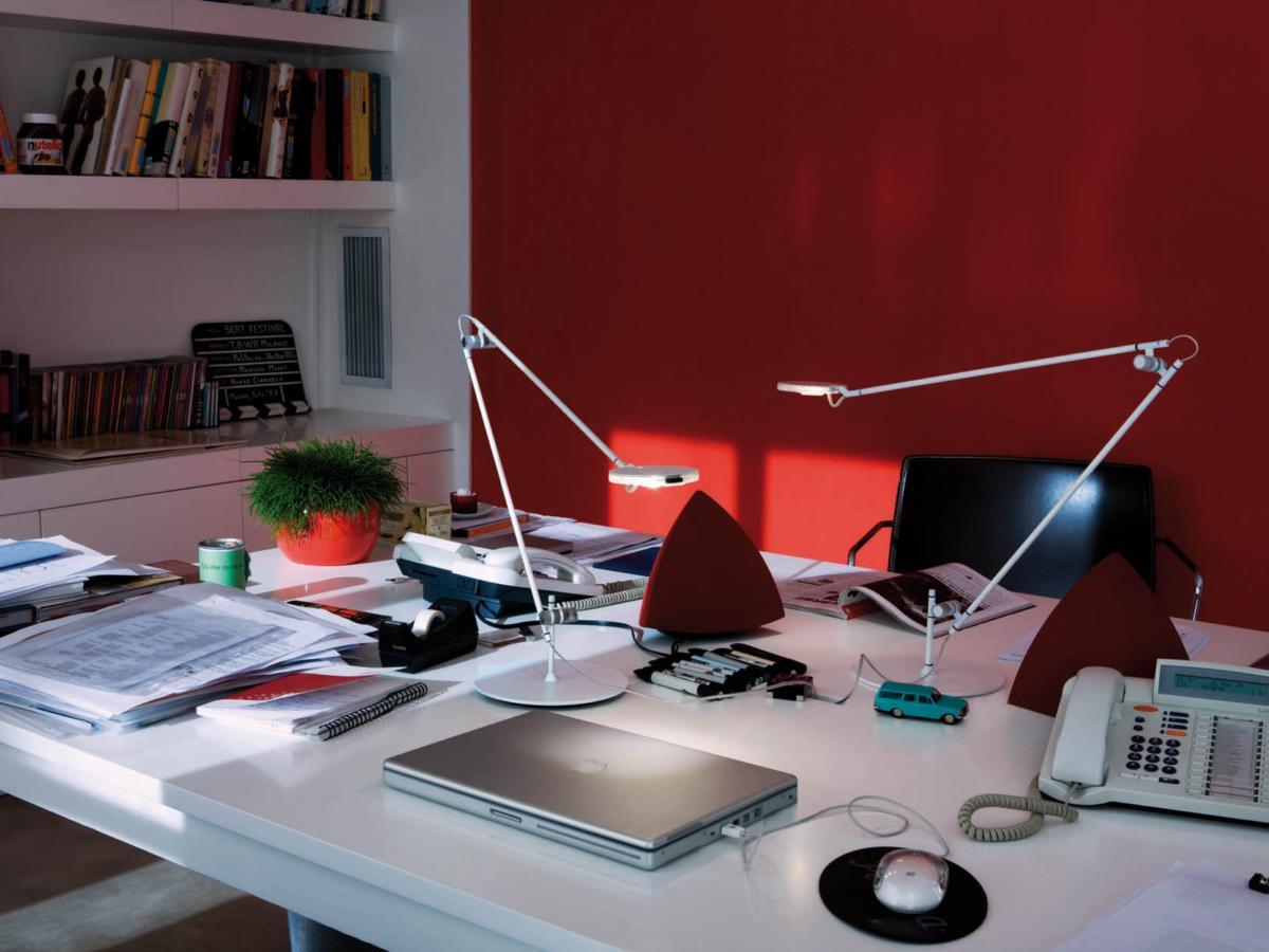 Lampe de bureau Kundalini Linea